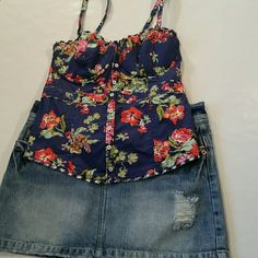 Hollister Padded Cup Cami Padded cups. Elastic back .  Adjustable straps. Hollister Tops Camisoles