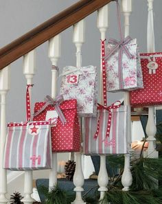 A wonderful idea if you have a staircase in your home - why not use it for your Advent Christmas Calendar? Christmas Countdown, Christmas Calendar, Diy Advent Calendar, Advent Calendars, Calendar Ideas, Christmas In Heaven, Noel Christmas, Christmas Projects, Beautiful Christmas