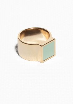 http://www.stories.com/be/Jewellery/Rings/Two-Colour_Ring/582802-7976147.1