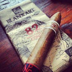 Schokolade und Zigarren... einfach unschlagbar! Und die Villa Zamorano No. 15 ist richtig gut. Nicht nur wegen dem Preis erstklassig: http://www.noblego.de/villa-zamorano-no-15/