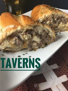 Tavern Sandwiches are filled with a hamburger meat mixture and are SO yummy for football game day Tailgates! Loose Meat Tavern Sandwiches - This hot sandwich overflows with seasoned, creamy hamburger meat and wrapped in crusty French bread. Burritos, Roast Beef Sandwich, Soup And Sandwich, Hot Sandwich Recipes, Ground Beef Sandwich Recipe, Beef Appetizers, Appetizer Recipes, Picnic Recipes, Picnic Ideas