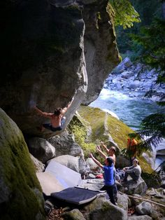 My favorite thing about bouldering: it is a team sport.
