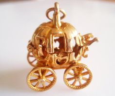 Large 9ct Gold Cinderella and Coach Charm or by TrueVintageCharms