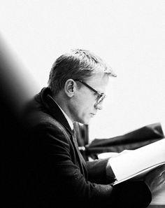 Photo - The Daniel Craig Fixation Daniel Craig Style, Daniel Craig James Bond, Celebrities With Glasses, Daniel Graig, Jason Isaacs, Best Bond, Imaginary Boyfriend, People Icon, A Guy Who