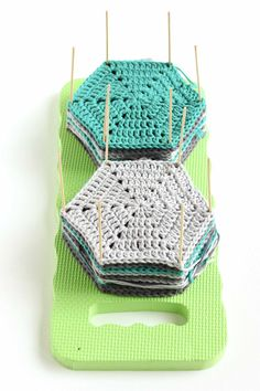 How to Block Crochet with Easy DIY Blocking Board Learn how to block crochet or. How to Block Crochet with Easy DIY Blocking Board Learn how to block crochet or knit hexagons or g Crochet Blocks, Granny Square Crochet Pattern, Crochet Squares, Crochet Motif, Crochet Stitches, Granny Squares, Crochet Cushions, Crochet Pillow, Blanket Crochet