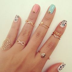 Catchpenny and Accesories - Bijous- lar - 7 Tips to combine catchpenny and accesories Fashion Rings, Fashion Jewelry, Cute Rings, Pretty Rings, Bff Rings, Unique Rings, Knuckle Rings, Diy Schmuck, Beautiful Nail Art