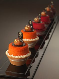 Jumeirah at Etihad Towers Hotel - Abu Dhabi Restaurants - Halloween Cupcakes #plating #presentation