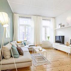 https://i.pinimg.com/236x/30/c3/02/30c302c96326a315d4299ee859063362--home-living-room.jpg