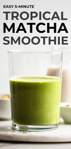 Looking for quick and easy green smoothie? This delicious and simple tropical matcha smoothie recipe is made with spinach, mango, matcha, and ginger. This energizing mix takes a few minutes to make, perfect for a busy summer morning! Matcha Green Tea Smoothie, Tea Smoothies, Smoothie Diet, Healthy Smoothies, Green Smoothies, Making Smoothies, Simple Smoothies, Lunch Smoothie, Breakfast Smoothies