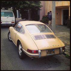 Yellow Porsche  912