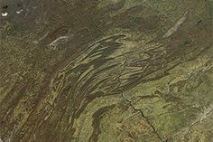 Below the Bend in the Appalachians : Image of the Day : NASA Earth Observatory 09/18/2014 #geology #students