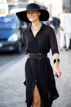 Adoro chemise com cinto e chapéu !