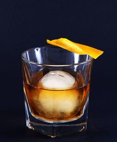 10 Bourbon Cocktails Every Man Should Know How to Make