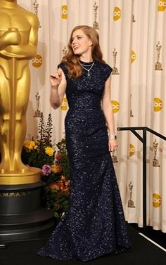 Amy Adams, Oscars 2011 - needs to be a little less form-fitting, but I love the sparkle and color, and the general style is very modest yet lovely! Oscar 2011, Celebrity Red Carpet, Celebrity Style, Couture Fashion, Fashion Beauty, Oscar Fashion, Oscar Dresses, Amy Adams, Red Carpet Looks