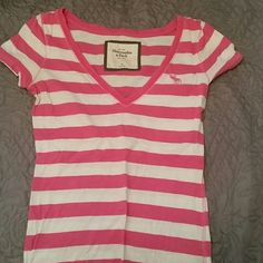 Short sleeve shirt Great condition, worn a few times Abercrombie & Fitch Tops