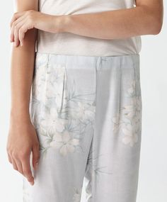 Long trousers with jasmine flower - New In.