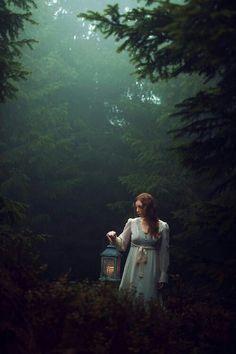 22 Ideas Photography Fantasy Fairy Tales Portraits For 2019 Foto Fantasy, Fantasy Magic, Fantasy World, Fantasy Photography, Portrait Photography, Beauty Photography, Fairy Tale Photography, Forest Photography, Photography Backdrops