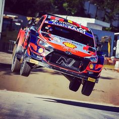 """""""Mi piace"""": 807, commenti: 3 - Thierry Neuville (@thierryneuville) su Instagram: """"Shakedown done here at @rallyportugal ✅ We tried different things and we are satisfied with the…"""" Rally Car, Instagram"""