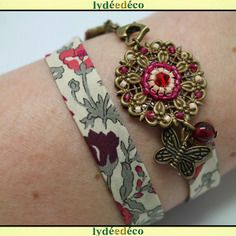 Bracelet retro passion fleur liberty rouge rose beige et kaki perles et laiton bronze