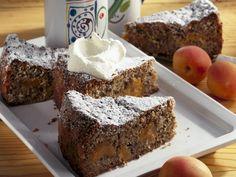 Schokokuchen mit Aprikosen - smarter - Kalorien: 168 Kcal - Zeit: 1 Std. 20 Min. | eatsmarter.de