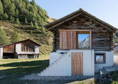 Ruinelli Associati Architetti / Ruinelli Associati / Conversion of a barn and remodelling of a farm building in Isola-Maloja / Wohnungsbau/Einfamilienhäuser / best architects award Bungalows, House In The Woods, My House, Vinyl Siding Cost, Contemporary Architecture, Architecture Design, Cabin Design, House Design, Eco Buildings