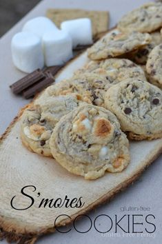 Ooey Gooey Gluten-Free S'mores Cookies | gluten free desserts | gluten free cookie recipes | gluten free recipes | gluten free sweets | how to make gluten free cookies || This Vivacious Life