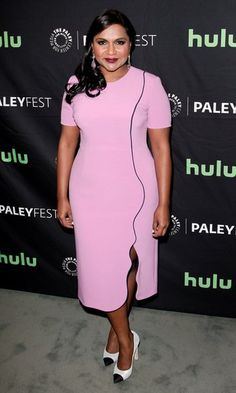 Mindy Kaling in Mindy Lahiri paired with Chanel pumps attends Paleyfest in L. Best Celebrity Dresses, Celebrity Red Carpet, Celebrity Style, Big Girl Fashion, All Fashion, Nice Dresses, Dresses For Work, Ladies Lunch, Black And White Heels