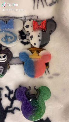Diy Resin Art, Diy Resin Crafts, Diy Arts And Crafts, Diy Craft Projects, Disney Pop, Disney Mickey, Custom Popsocket, Diy Pop Socket, Pop Sockets Iphone