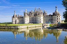 Castelo de Chambord, Vale do Loire. A Viator oferece uma excursão diurna de Paris para visitar os três mais famosos castelos da região do Loire: o Chenonceau, o Cheverny e o maravilhoso Chambord. #valedoloire #castelochambord #castelo