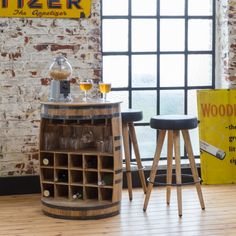 Bar tonneau industriel bois et cerclage métal - Made In Meubles