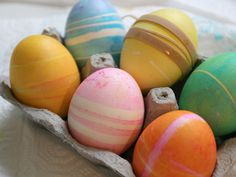 DIY Holiday: Dying Eggs with Rubberbands - Momtastic