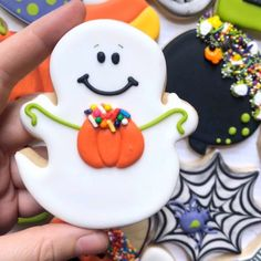 Decorated cookies - Paige's Home Halloween Desserts, Postres Halloween, Recetas Halloween, Halloween Cookies Decorated, Soirée Halloween, Halloween Sugar Cookies, Halloween Goodies, Halloween Treats, Halloween Cookie Cutters