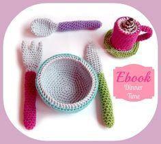 Miniatur Strickkleidchen 14-15 cm Bär oder Puppe Handarbeit! für  ca