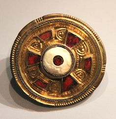 Jewelled disc brooch @ Ashmolean Museum, Oxford 500-600 Anglo-Saxon