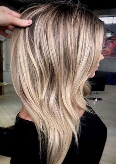 47 Gorgeous Blends of Balayage Ombre Hair Colors for You know balayage is one of the best hair coloring techniques since last few years. In this post we have collected amazing blends and shades of balauage ombre hair colors for women to opt for year Blonde Weave, Beauté Blonde, Blonde Color, Short Blonde, Hair Color Blondes, Blonde Long Hair, Blonde Celebrity Hair, Blonde Fringe, Sandy Blonde Hair