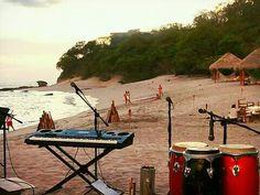 Playa Guacalito de Isla, Tola Rivas
