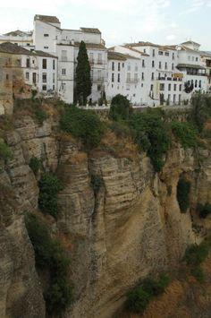 断崖絶壁の街ロンダ : 情熱の国スペイン