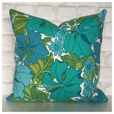 Gorgeous 16 x 16 cushion cover handmade to a high standard from original vintage fabric with a wonderful flower design ( Hibiscus I believe, please let me know if its not ) . The perfect addition to any vintage style or modern home  ▪️Matching lampshades -  ▪️Made to order within 4 working days ▪️Measures 16 x 16 ( Approx ) Pattern placement will vary  ▪️Backed in a good quality cotton fabric in a complimentary colour ▪️Closes with 4 black metallic industrial-strength stud fasteners for a…