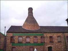 Pottery and Ceramics History of The Bottle Kiln