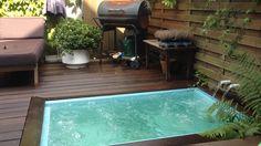 Small pool the Hague. Stadstuin met bubbelbad Zeeheldenkwartier den haag