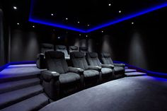Home Theater Ideas: home theater planejado (home theater basement) #HomeTheater #Basement