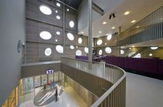 Sportzentrum in Tilburg fertig / T-Kwadraat - Architektur und Architekten - News / Meldungen / Nachrichten - BauNetz.de