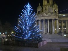 Portsmouth-Guildhall-Square-Christmas-tree.jpg (3072×2304)