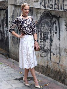 A PIECE OF ELISE  BANGKOK FASHION BLOG - lace skirt, nude pumps, chocker