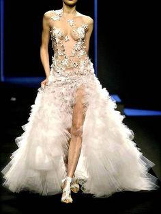 Tiffany Singer: That DRESS  #Lockerz  ღ♥Please feel free to repin ♥ღ www.fashionandclothingblog.com