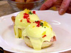 Eggs Benedict via Food Network:: Recipe courtesy of Sarabeth Levine Chef Recipes, Brunch Recipes, Food Network Recipes, Breakfast Recipes, Cooking Recipes, Breakfast Items, Egg Recipes, Breakfast Dishes, Recipies
