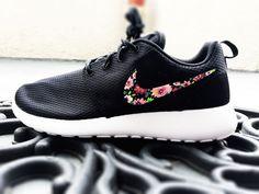 Nike Roshe Custom Floral design for Women, pink bouquet, lilac flower design with bronze tones