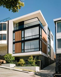 Butterfly House by John Maniscalco Photographer: Marion Brenner. - Architecture and Home Decor - Bedroom - Bathroom - Kitchen And Living Room Interior Design Decorating Ideas - Modern Architecture House, Facade Architecture, Modern Buildings, Residential Architecture, Architecture Interiors, City Buildings, Building Facade, Building Design, Facade Design