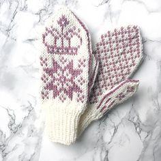 Ravelry: Regentvotter / Regent Mittens pattern by Tonje Haugli Crochet Gloves, Knit Crochet, Fingerless Mitts, Mittens Pattern, Wrist Warmers, Ravelry, Knitting Patterns, Barn, Stitch