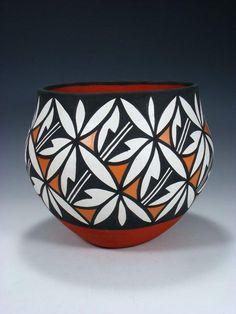 Pottery Bowls, Ceramic Pottery, Pottery Art, Ceramic Art, Coiled Pottery, Slab Pottery, Thrown Pottery, Ceramic Bowls, Pottery Painting Designs